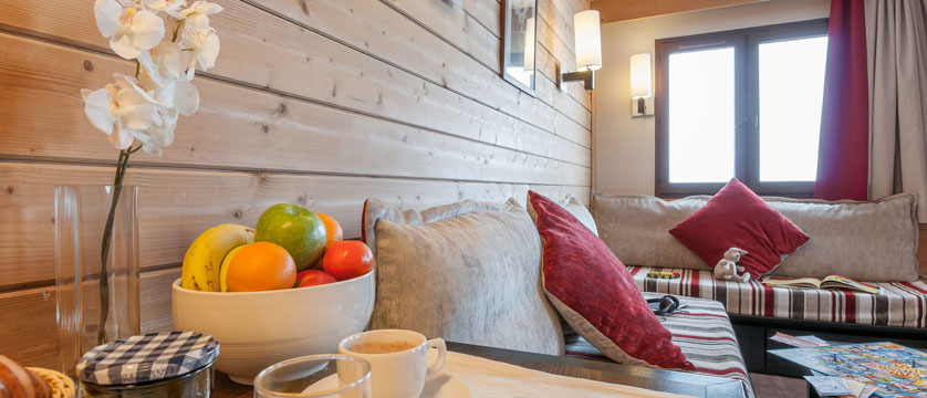 france_avoriaz_le-saskia-apartments_living-area.jpg